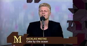 Nicklas-Mietke-Cake-by-the-ocean